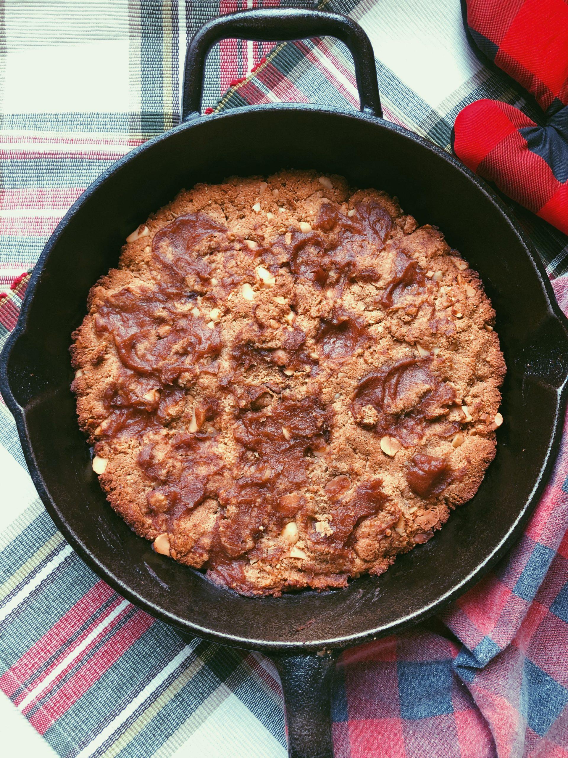 grain free caramel macadamia cookie skillet