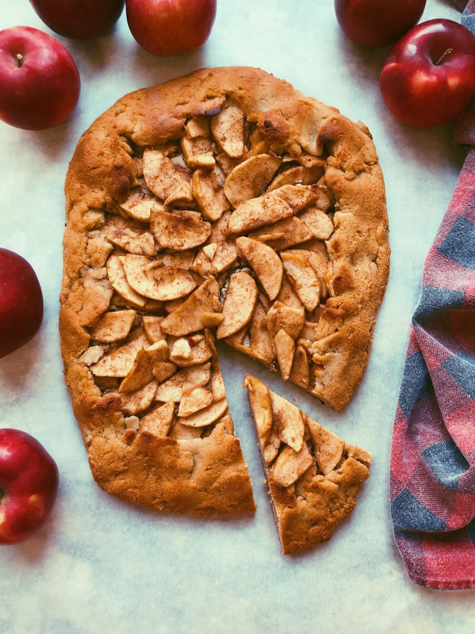 grain free apple cinnamon galette