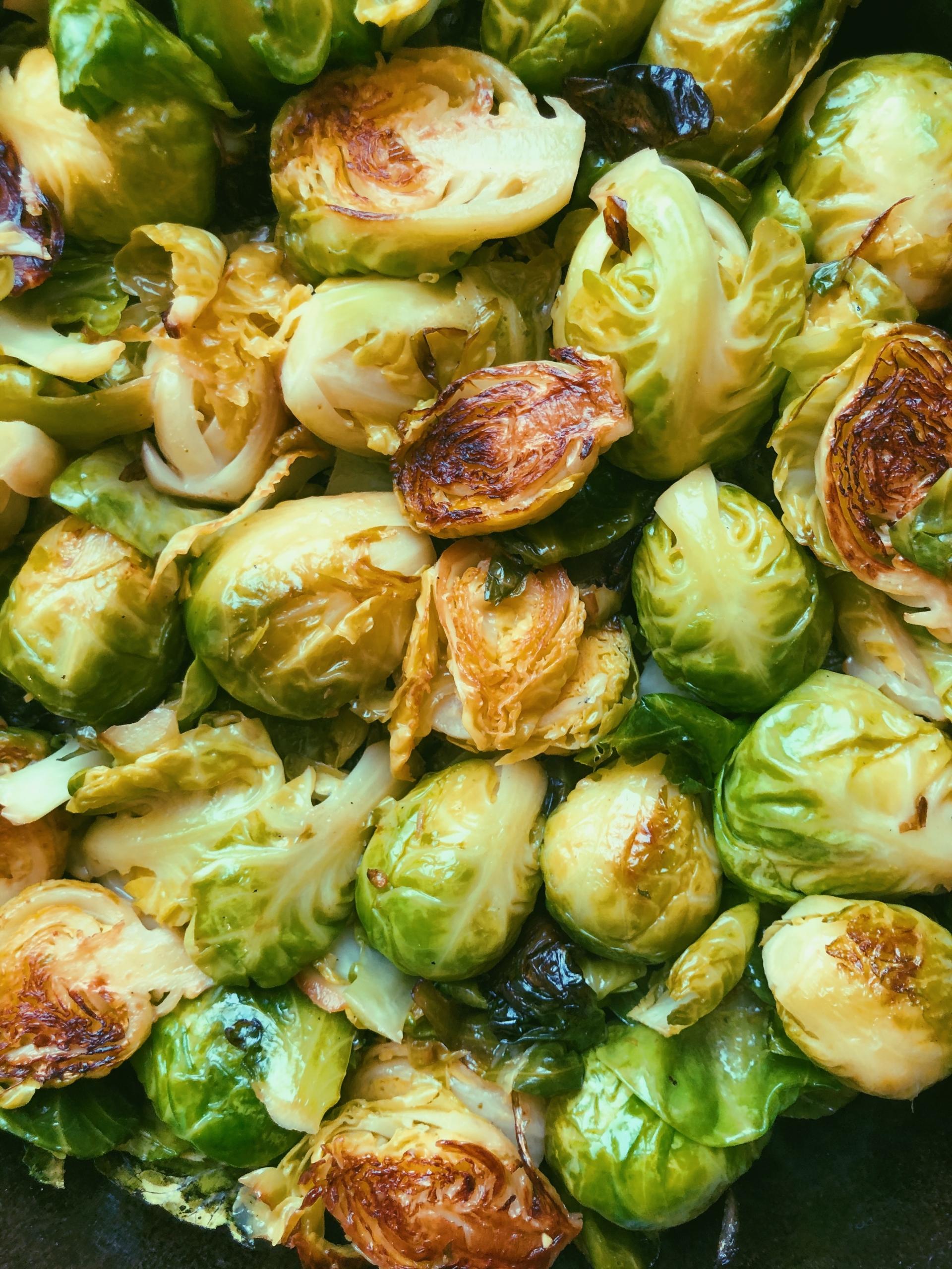 easy lemon garlic pan-fried brussels sprouts grain free scd diet