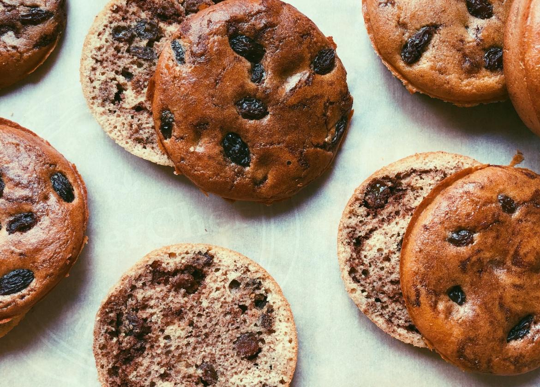 raisin cinnamon english muffins