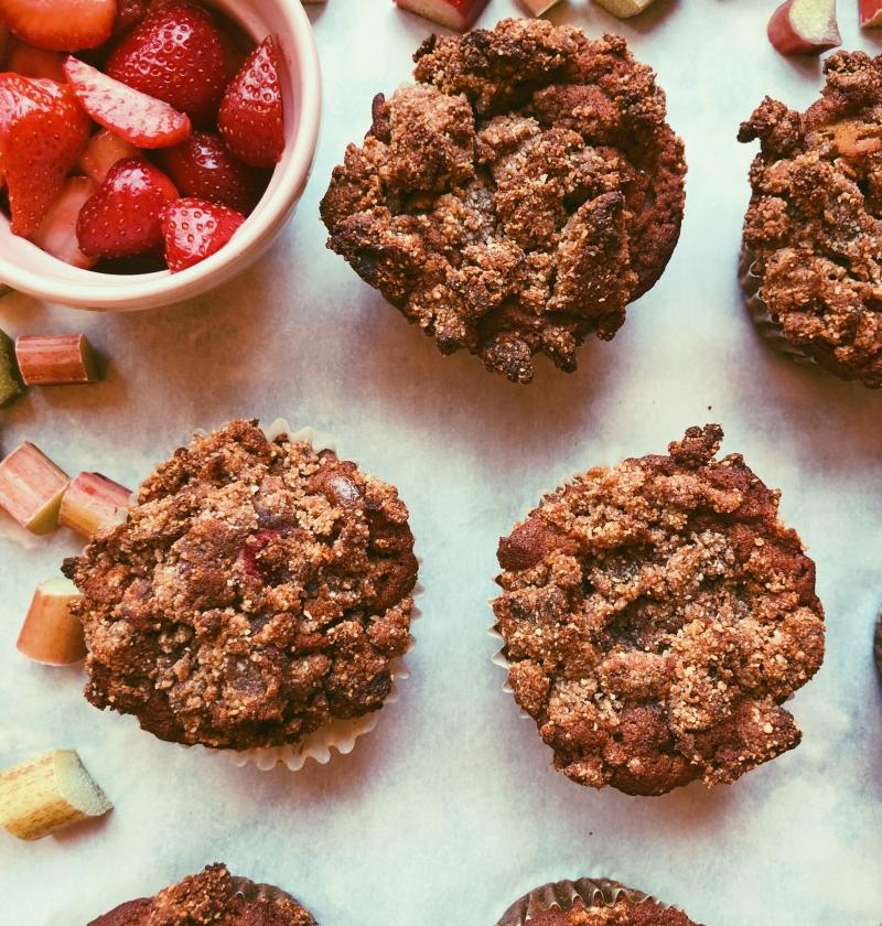 strawberry rhubarb crumb cake muffins (grain free, scd diet)